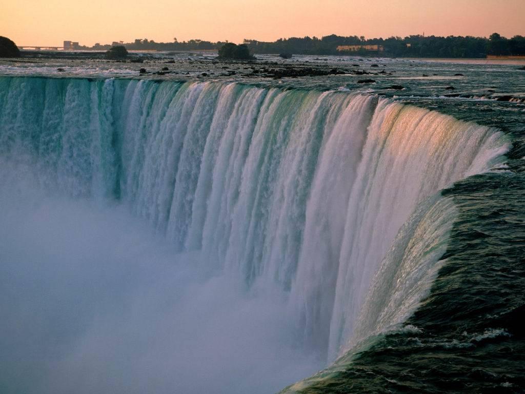 niagara-falls-canada[1]
